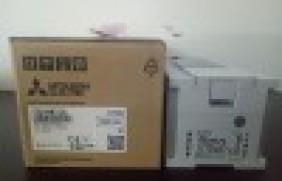 FX5U-64MT/ES三菱plc可编程控制器